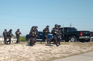 800px-Flickr_-_The_U_S__Army_-_SWAT_Teams_at_Fort_Hood